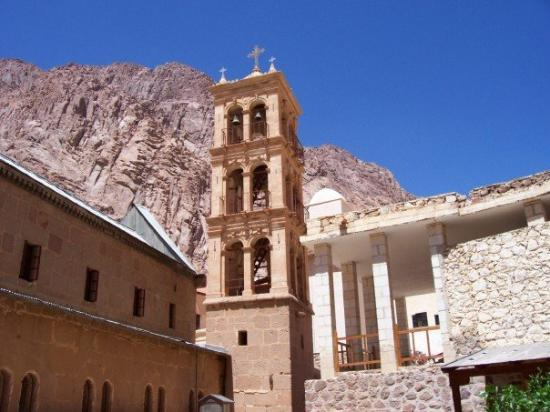 Saint Catherine, อียิปต์: The monastery bell tower, and one of the foothills of Mt. Sinai