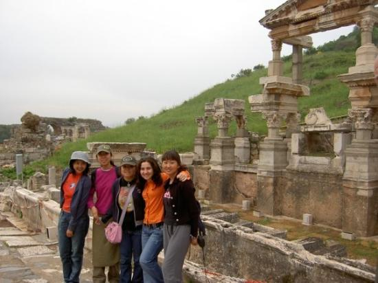 ซีลกัค , ตุรกี: With friends... in Ephesus, ancient city