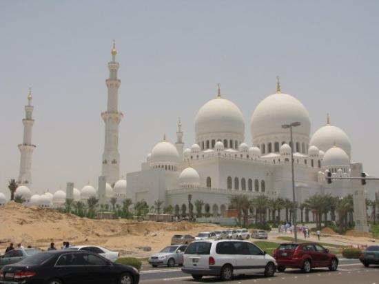 อาบูดาบี, สหรัฐอาหรับเอมิเรตส์: Sheikh Zayed Bin Sultan Al Nahyan Mosque