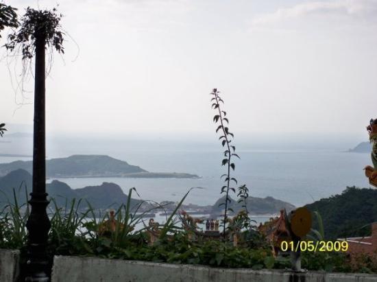 ไทเป, ไต้หวัน: 在九份看到的海邊