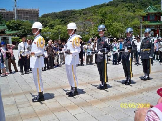 ไทเป, ไต้หวัน: 儀隊一字排開