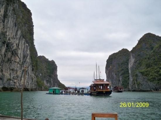 ฮาลองเบย์, เวียดนาม: 下龍灣的美景