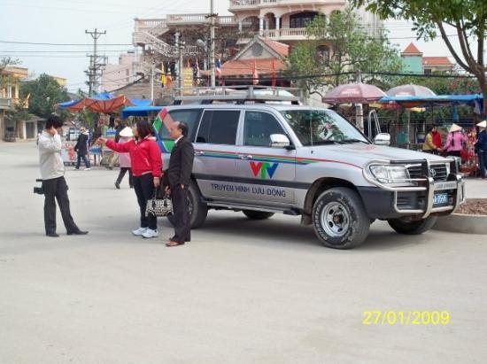 ฮานอย, เวียดนาม: 電視台都派人來拍攝,不知我會不會入鏡呢?