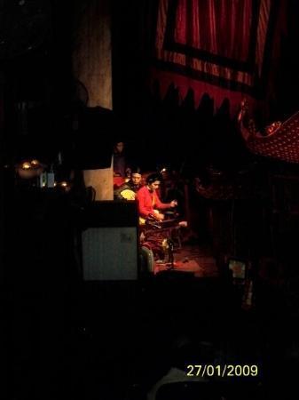 ฮานอย, เวียดนาม: 樂師正在奏樂
