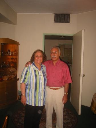 เตหะราน, อิหร่าน: Grandma and Dad