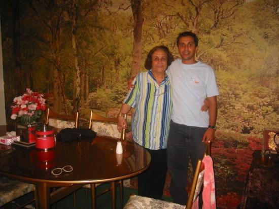 เตหะราน, อิหร่าน: Grandma and Maz