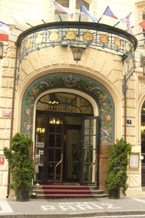 โฮเต็ลปารีส: Art Nouveau - Hotel Pariz