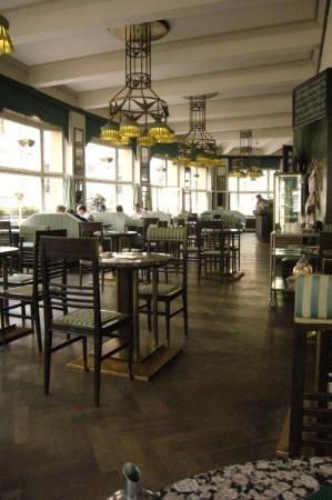 Grand Cafe Orient: Cubism - Grand Orient Cafe