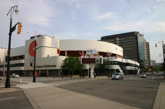 แฮมิลตัน, แคนาดา: The Home of the Hamilton Coyotes.