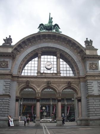 ลูเซิร์น, สวิตเซอร์แลนด์: Luzern Hauptbahnhof