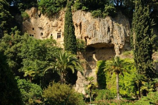 Les Grottos de Villecroze