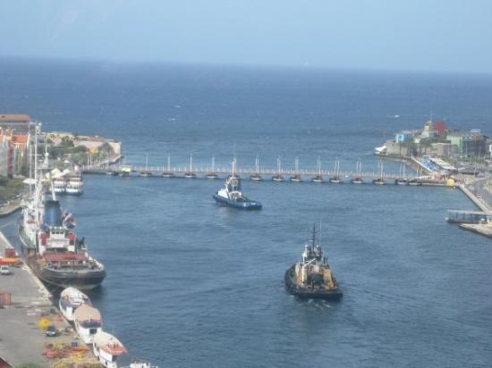 คูราเซา: Curacao.  My favorite stop.