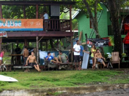 จาโค, คอสตาริกา: de surfers