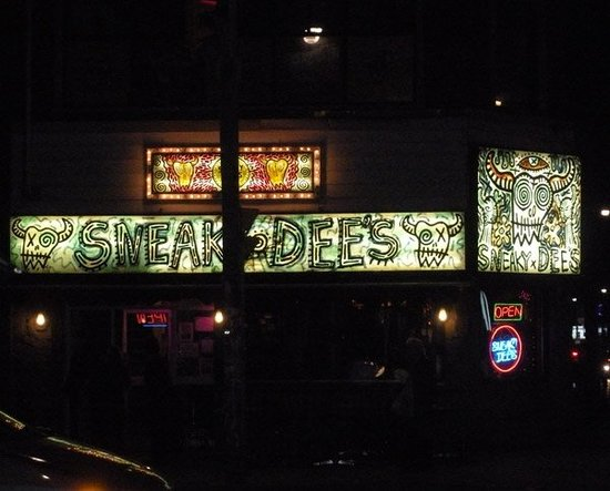 Sneaky Dee's Downtown: Ah, Sneaky Dee's - home of vegan nachos!