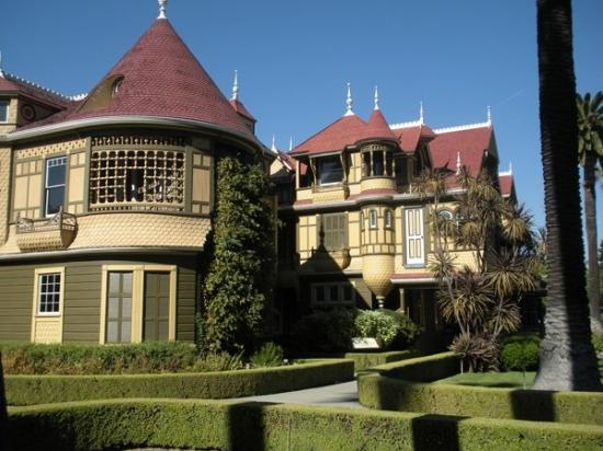 Winchester Mystery House: View from the front gardens.