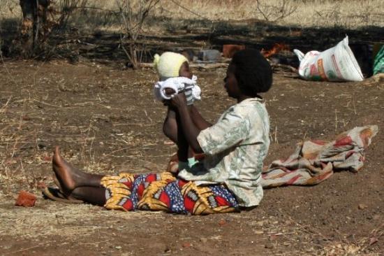 ลิฟวิงสโตน, แซมเบีย: Taking care of the baby