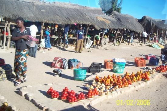 ลิฟวิงสโตน, แซมเบีย: One of the local markets...yummy