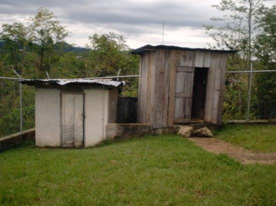 เบลีซซิตี, เบลีซ: The out house