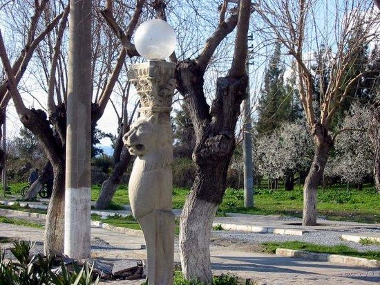 ซีลกัค , ตุรกี: Lamp posts in modern Ephsus (Ephesus)
