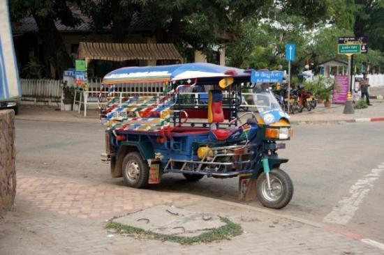 เวียงจันทน์, ลาว: Tuk-tuk