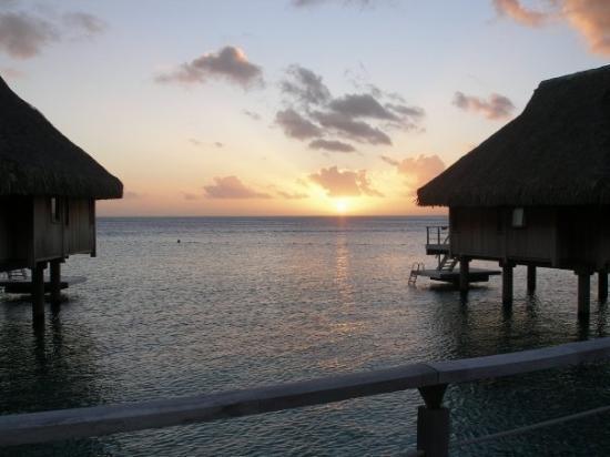 โบราโบรา, เฟรนช์โปลินีเซีย: Tahitian sunset