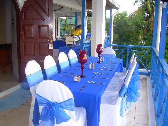 Negril Tree House Resort: Birthday Dinner on my balcony to my room
