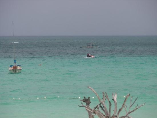 Negril Tree House Resort: This pic taken from the balcony of our Ocean Front Room