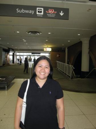 โตรอนโต, แคนาดา: going to subway