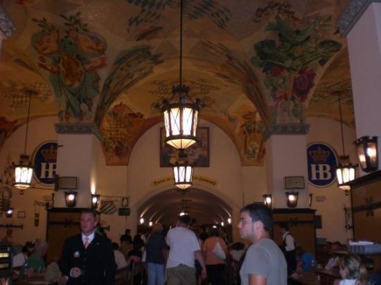 Hofbrauhaus Munchen: Ahí esta la cerveceria más antigua de Europa. Hofbrauhaus.