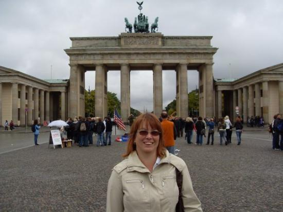 ประตูบรานเด็นเบิร์ก: Brandenburg Gate, Berlin