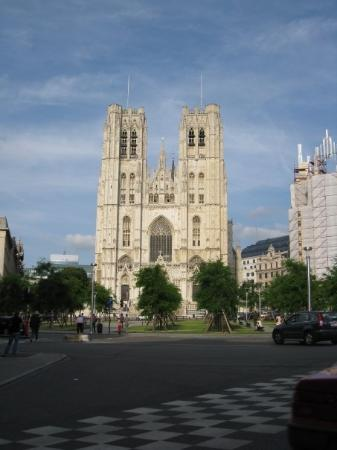 มหาวิหารเซนต์มิคาเอลและเซนต์กูดูลา: Cathedrale St. Michel