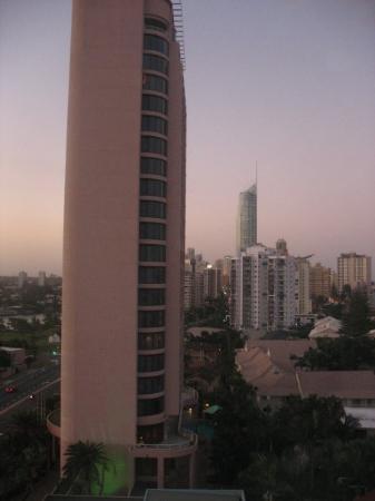 โรงแรมคราวน์พลาซ่าเซิร์ฟเฟอร์สพาราไดส์: Crowne Plaza