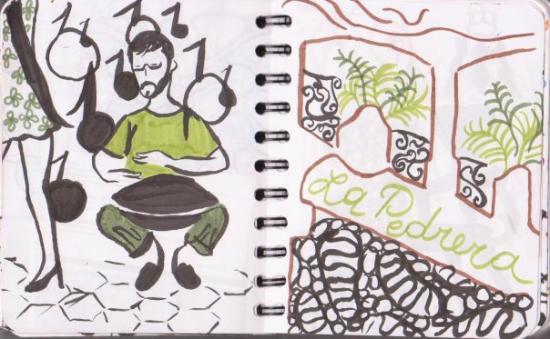 คาซามิลา: Un joueur d'instrument étrange, entre le djembé et le plat à tajine... Non loin de La Pedrera (G