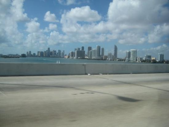 ไมอามี่, ฟลอริด้า: Coming in to South Beach..