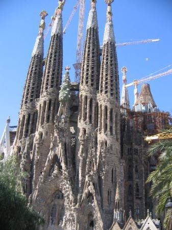 โบสถ์แห่งครอบครัวศักดิ์สิทธิ์: Sagrada Familia -kirkko