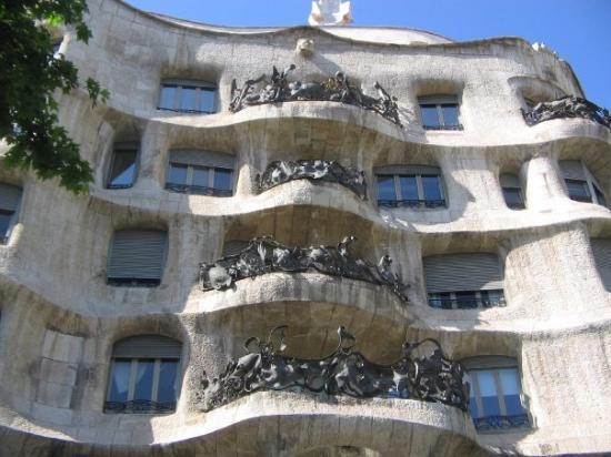 คาซามิลา: Casa Mila, näitä Gaudin juttuja