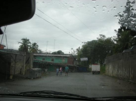 Sixaola, คอสตาริกา: sixola...sketchy border town
