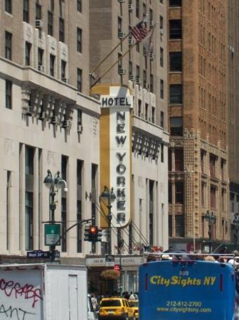 โรงแรมเดอะนิวยอร์คเกอร์: The New Yorker Hotel in Midtown