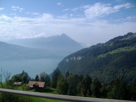 อินเตอร์เลเคน, สวิตเซอร์แลนด์: It was so pretty here.  I didn't wanna leave.
