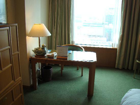 โรงแรมโนโวเทล แอมบาสซาเดอร์ ปูซาน: Desk