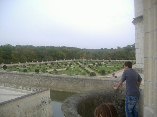 วังเชอนงโซ: Largest gardens in France.