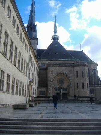 เมืองลักเซมเบิร์ก, ลักเซมเบิร์ก: Church.