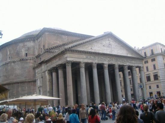 แพนเธียน: Pantheon.  Rome's oldest church.