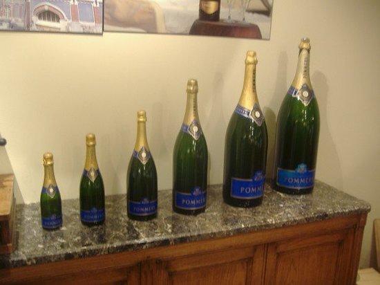 Champagnes Pommery : The range of bottles of Pommery.