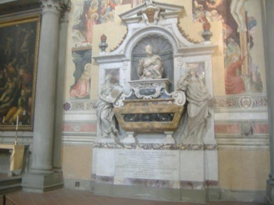 Basilica di Santa Croce: Tomb of Galileo.