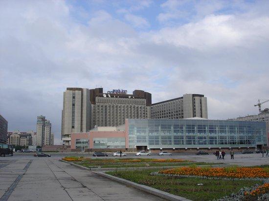 ปาร์คอินน์ พรีบัลติย์สกายา เซนต์ปีเตอร์สเบิร์ก: View of hotel from seaside