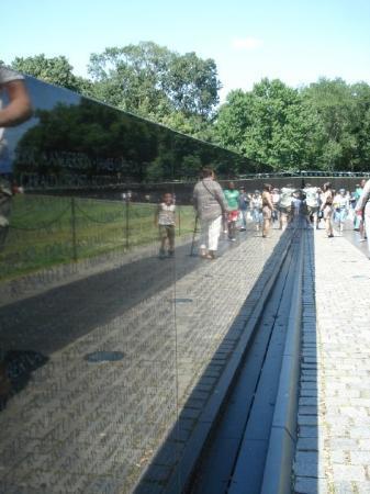อนสรณ์ทหารผ่านศึกเวียดนาม: The Vietnam Veterans Memorial - Wasington D.C.