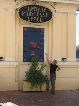 มอนติคาร์โล, โมนาโก: Theatre Pincesse Grace, Monte Carlo, Monaco (Oct 06).