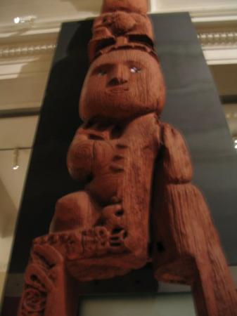โอกแลนด์เซ็นทรัล, นิวซีแลนด์: One of the old carvings at the museum.