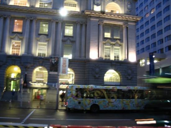 โอกแลนด์เซ็นทรัล, นิวซีแลนด์: The 'ghost bus'... in Auckland...